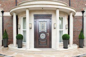 Двери для коттеджа и частного дома